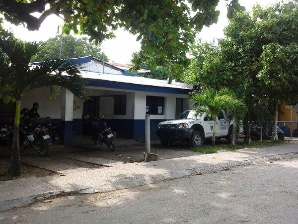 La Policía de Sámara atendió el caso. Luego avisó al Organismo de Investigación Judicial de Nicoya. | CINTHYA BRAN.