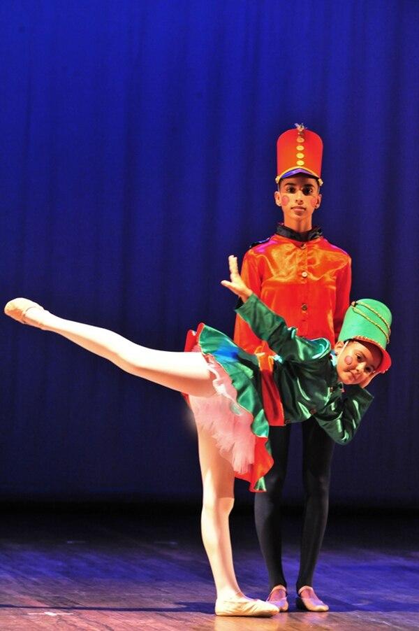 La Danzatón 2013 reunió a cientos de niños, muchachos y bailarines profesionales que tenían sed de bailar. Foto: Archivo