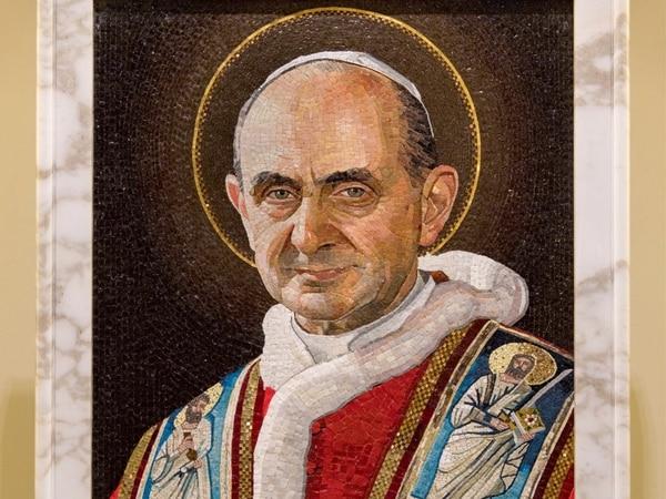 Retrato del papa Pablo VI sobre su tumba en la basílica de San Pedro, en la Ciudad del Vaticano.