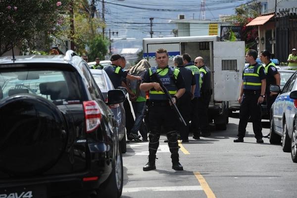 El operativo concluyó ayer, a las 10 a. m., cuando los foráneos fueron trasladados a las celdas judiciales. | ALONSO TENORIO