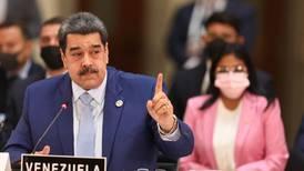 Críticas a presencia de Nicolás Maduro marcan la cumbre de la Celac en México