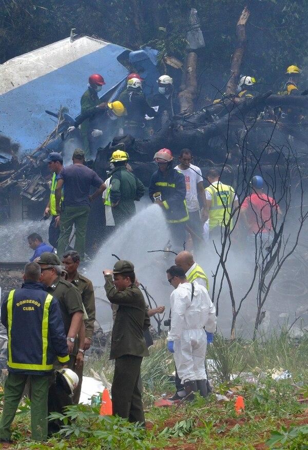 Avión arrendado por Cubana de Aviación se estrelló a 7 kilómetros del aeropuerto José Martí de La Haba. Foto: AFP