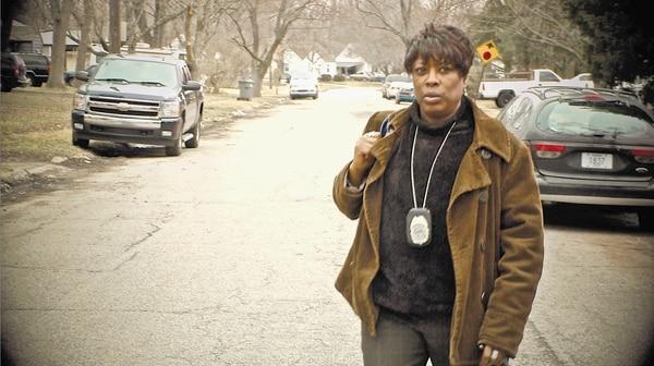 El show ofrece una mirada interna a los oficiales de libertad condicional que deben colaborar, por así decirlo, con delincuentes sexuales, asesinos convictos y adictos.