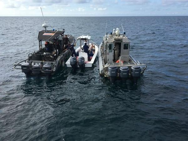 El lunes pasado en cabo Matapalo, Golfito, el Ministerio de Seguridad detuvo a tres ticos con 588 kilos de cocaína.
