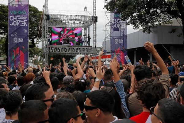 Tarima del Chepe Joven 2018. Miles de personas se dieron cita en el festival electrónico. Fotos: Mayela López