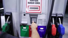 ¿Por qué suben los precios de los combustibles?