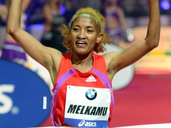 La keniana Meselech Melkamu llega a la meta con un tiempo de 2h21:01. | AFP