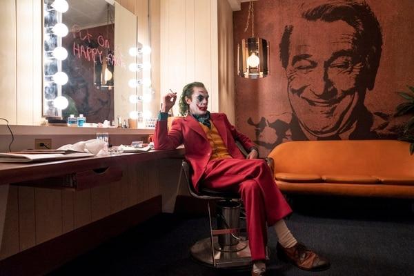 'Joker' (Joaquín Phoenix) cuenta la historia de Arthur Fleck, un hombre ignorado por la sociedad, cuya motivación en la vida es hacer reír. Foto: Cortesía de Rola.