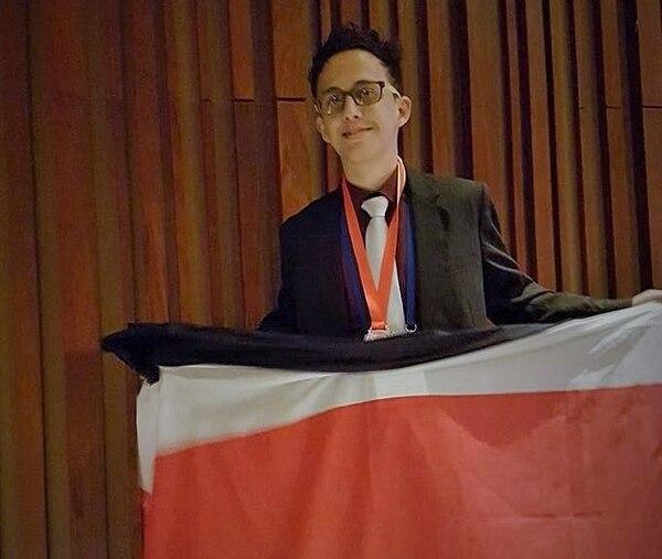 Mario Esteban González ganó una medalla de bronce y en el pasado ya ha recibido galardones similares.