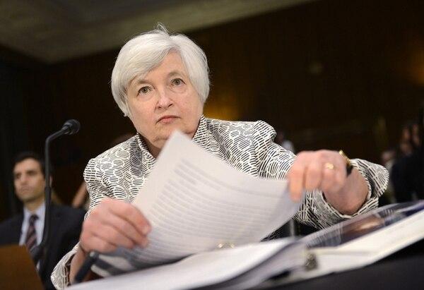 Janet Yellen, presidenta de la FED, dijo ayer que la subida de tipos, actualmente entre el 0 % y el 0,25 %, podría producirse antes de lo esperado. | EFE