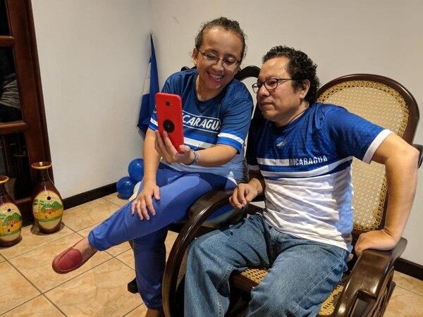 Lucia Pineda salió de prisión la mañana de este martes. foto cortesía de Alianza Cívica por la Justicia y la Democracia.