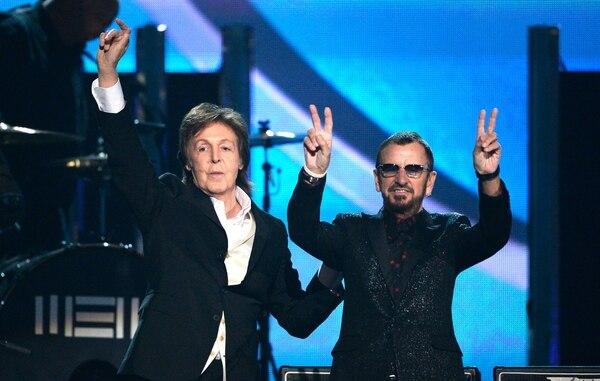 Aunque Paul McCartney no apareció en vivo durante el cumpleaños, un video y un tuit de celebración apaciguaron la sentida ausencia. AFP