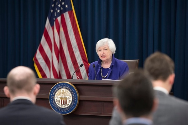 Se despide Janet Yellen dejando intactas las tasas de interés en EU