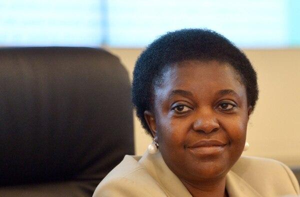 Cécile Kyenge, primera ministra negra de Italia, nació en Congo y a los 19 años se las ingenió para mudarse a Italia para obtener el título de Medicina. | AFP.