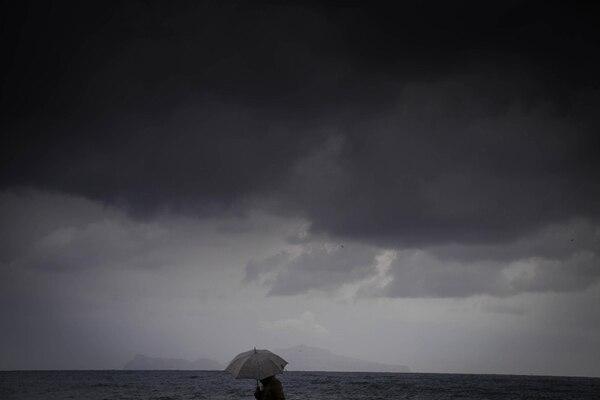 Rina avanza con vientos máximos sostenidos de 65 km por hora.