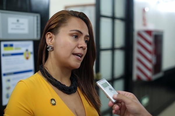 Geannina Dinarte, jerarca de Trabajo y Seguridad Social, aseguró que estiman que los recursos previstos para el bono Proteger alcanzarán para 789.300 personas. Fotografía: José Cordero