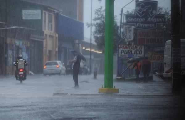 El 4 de octubre fue un día muy lluvioso en la capital. Credito: Jorge Navarro