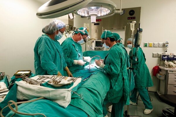 La CCSS invertirá ¢10.000 millones en reducir una lista de espera de 25.000 pacientes que requieren de una operación. El programa de cirugías ambulatorias se ejecutará en 23 de los 29 hospitales del país. | JORGE ARCE.
