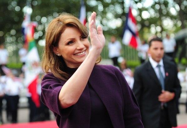 La primera dama Angélica Rivera fue cuestionada el año pasado por adquirir una mansión de $4 millones a un importante contratista gubernamental.