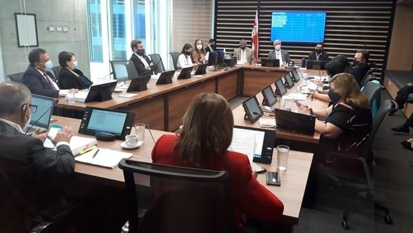 La comisión de Gobierno y Administración continuó este miércoles 27 de enero la discusión de mociones de fondo a la reforma del empleo público. Foto: Josué Bravo.