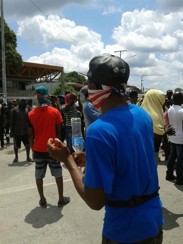 Cada cierto tiempo, los africanos se levantan para hacer protestas en pro de su intención de seguir hacia EE. UU.