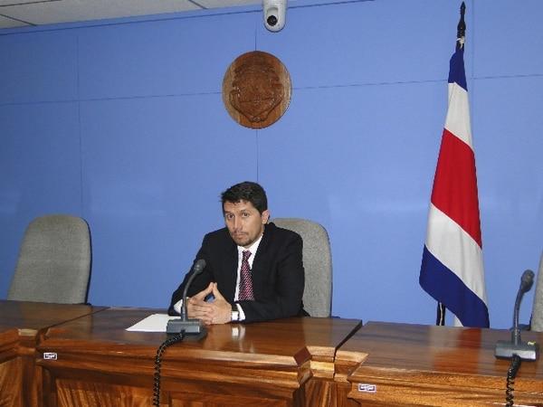 El juez del Tribunal de Flagrancias de San José, Alfredo Araya Vega, concedió al imputado Muñoz Guadamuz el beneficio de la ejecución condicional de la pena por un periodo de tres años.   CORTE PARA LN