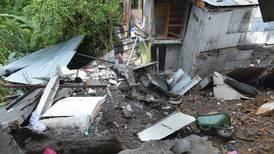 Deslizamiento en Alajuelita dañó nueve casas y dejó 41 damnificados