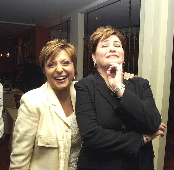 Grettel Alfaro y Roxana Zúñiga dirigieron por muchos años Noticias Repretel. Ellas empezaron desde ese medio de comunicación en 1997. Foto: Archivo