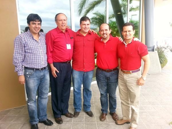 Cinco de los candidatos del PUSC a diputados en los primeros lugares de las papeletas: William Alvarado, Rafael Ortiz, Gerardo Vargas, Johnny Leiva y Luis Vásquez. | CORTESÍA DE JOHNNY LEIVA