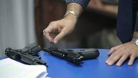 Director de armamento y viceministra contradicen informe técnico que probó daños en armas Beretta