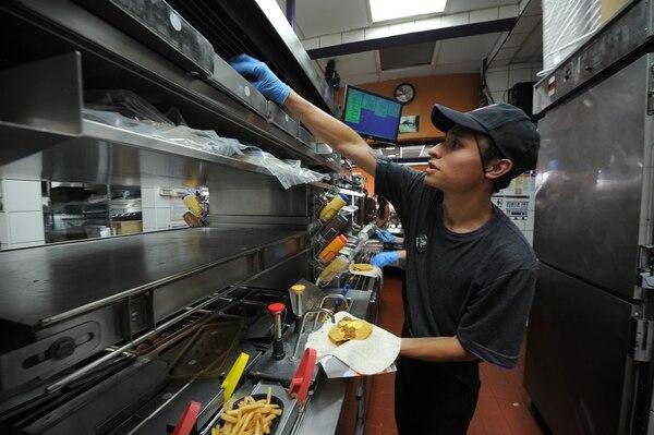 En Taco Bell, por normativa de la franquicia, se dan mínimo dos capacitaciones al año. Jeffrey Zamora.