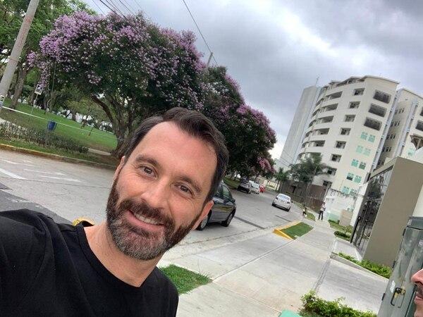 Francisco La Fuente es uno de los profesionales que habitan en las torres de apartamentos ubicadas en Nunciatura, una zona en Mata Redonda caracterizada por este tipo de proyectos verticales. Foto: Cortesía