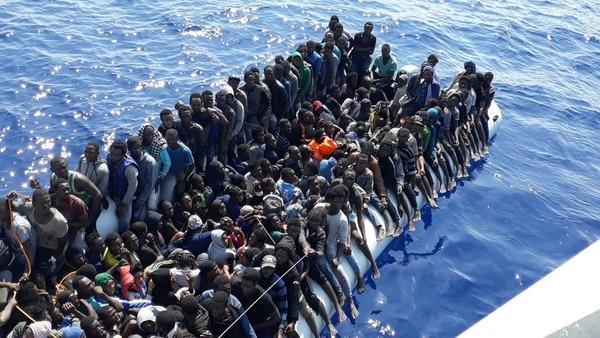 Migrantes interceptados en las afueras de la costa libia cerca de la población de Gohneima,al este de Trípoli, en junio del 2018.
