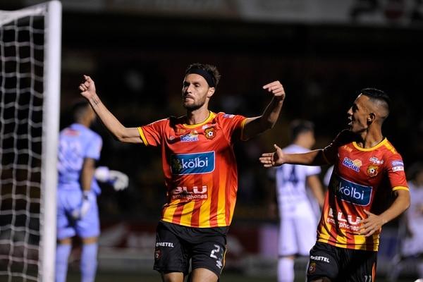 Gerardo Lugo marcó el cuarto gol en la victoria 4-2 del Herediano ante Grecia, el fin de semana. Fotografía: Rafael Murillo