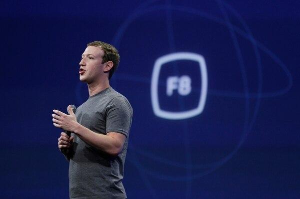 El estadounidense Mark Zuckerberg, fundador de la red social Facebook, aseguró que la conectividad cambia vidas y comunidades y por esa razón, van a seguir trabajando para conectar a todo el mundo. | ARCHIVO.