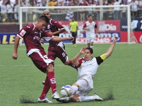 Duarte, Sequeira y Gabas (orden usual) jugaron el 1.° de abril pasado.   ARCH.