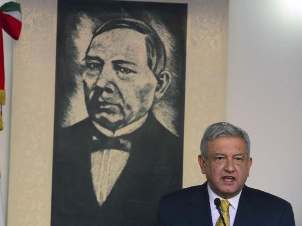 El excandidato presidencial López Obrador, hoy en la conferencia de prensa en México D. F. | AFP.