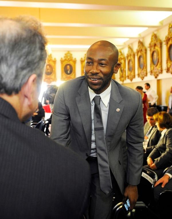 Paulo César Wanchope estuvo en el Salón de Expresidentes de la Asamblea Legislativa, durante un homenaje a la Sele de Brasil 2014.   EYLEEN VARGAS