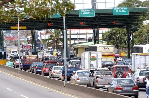 El puesto de peaje de Alajuela será uno de los que suspenderá el cobro entre el domingo y el lunes próximos.