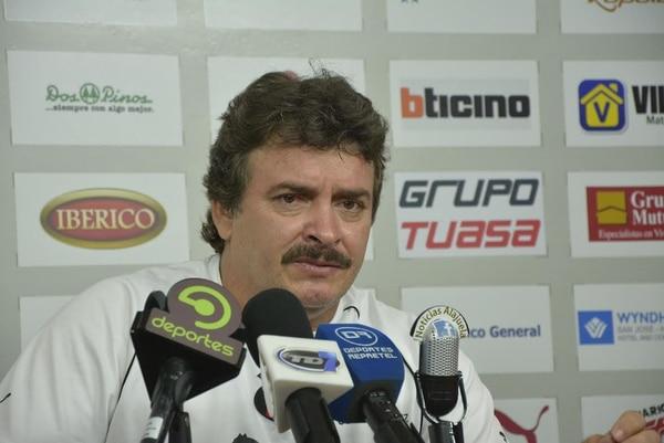Óscar Ramírez, técnico de Alajuelense, habló el martes anterior en conferencia de prensa.