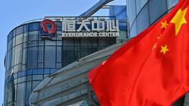 Filial de vehículos eléctricos de Evergrande cae en la bolsa de Hong Kong