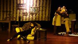 Crítica de teatro: 'El crimen nuestro' retrata la violencia contra las mujeres