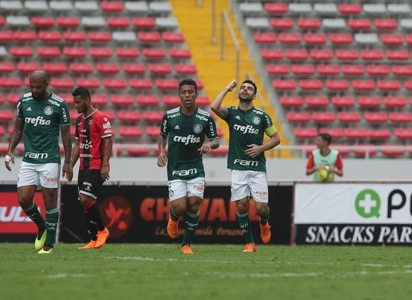 Palmeiras sonrojó a Alajuelense en el Estadio Nacional. Fotografía: John Durán