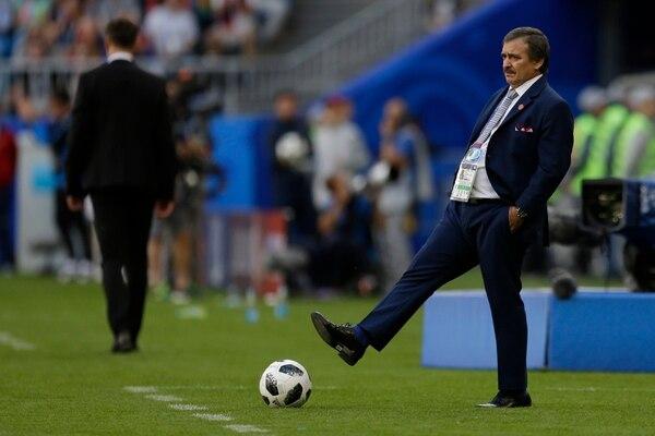 Óscar Ramírez durante el juego ante Serbia en el Mundial de Rusia 2018. Fotografía: Archivo GN