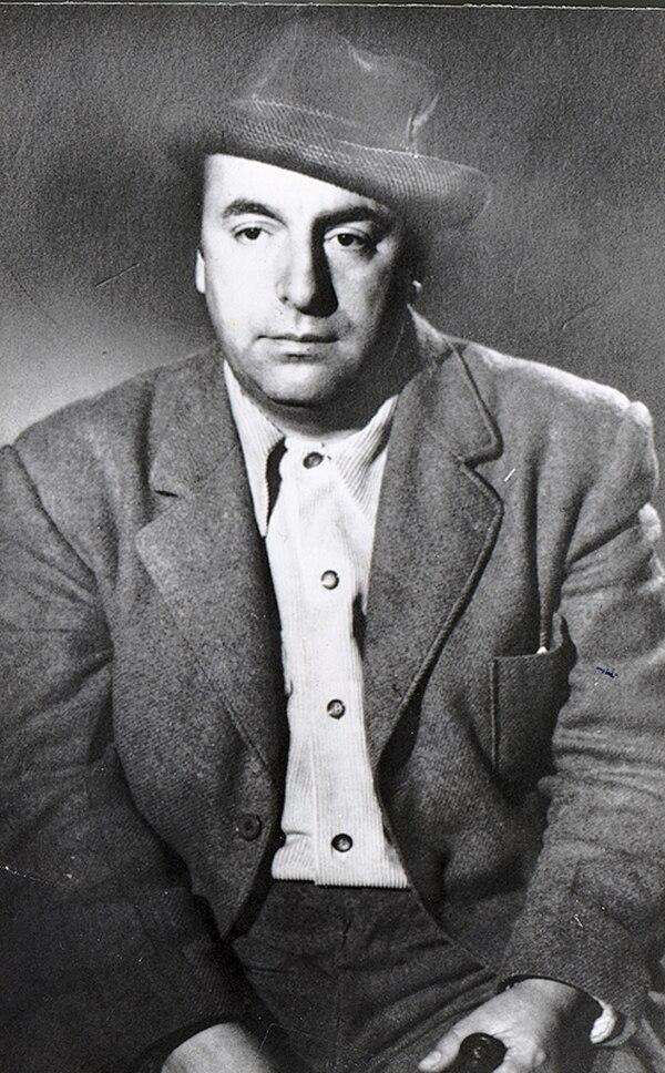 Popular. Neruda disfrutó de amplia fama en vida. Cortesía de El Mercurio.