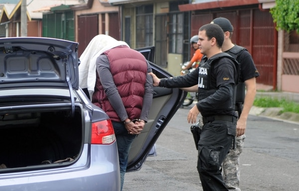 Navarro quedó a la orden de la Fiscalía, con evidencias ubicadas esta mañana en su vivienda.