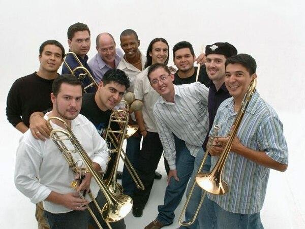 Son de Tikizia fue nominado al Grammy por su álbum Bolero.