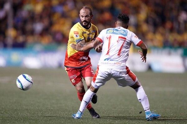 Esteban Ramírez puede jugar en dos puestos: Volante y lateral. Fotografía: José Cordero