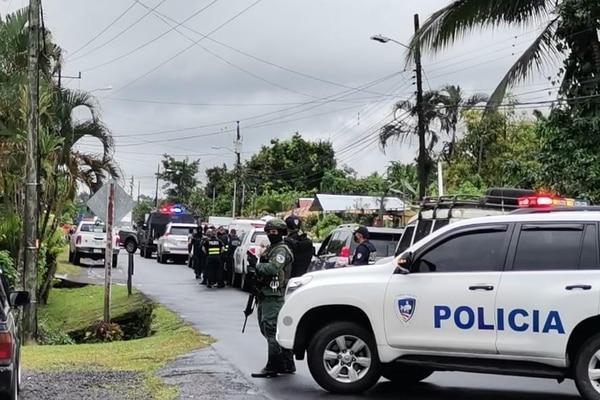 Operativos en Pococí por robo de armas en Escuela de Policía. Foto: Reiner Montero