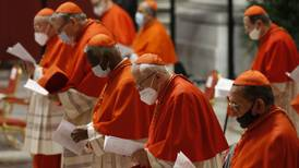 Papa Francisco deja su huella con investidura de 13 nuevos cardenales